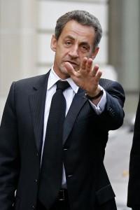Nicolas Sarkozy, verlaat in Parijs zijn auto, 26 november 2012. Foto: Benoit Tessier. Reuters