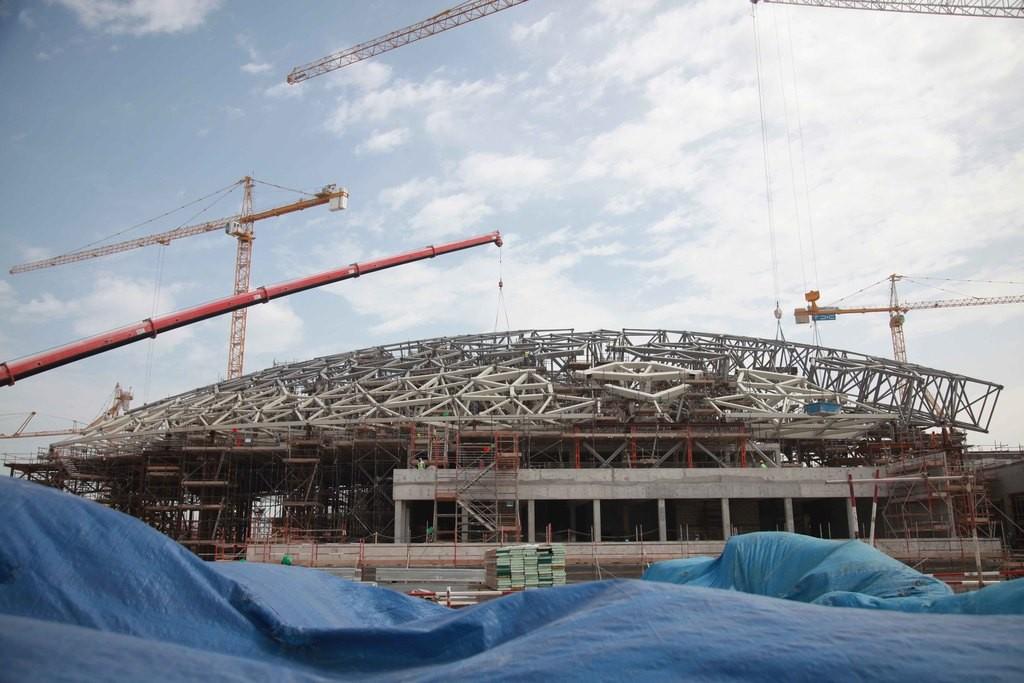Constructie van het Louvre Abu Dhabi.